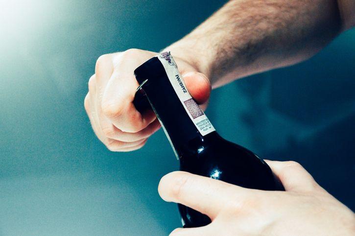 botella de vino apertura