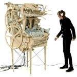 Un instrumento espectacular movido por canicas