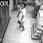Diabólico: cámaras filman a hombre poseído en una tienda