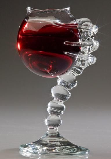 copa de vino tinto extraño