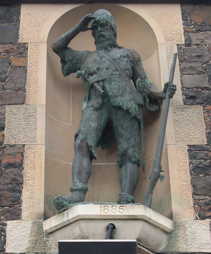 estattua de Alexander Selkirk