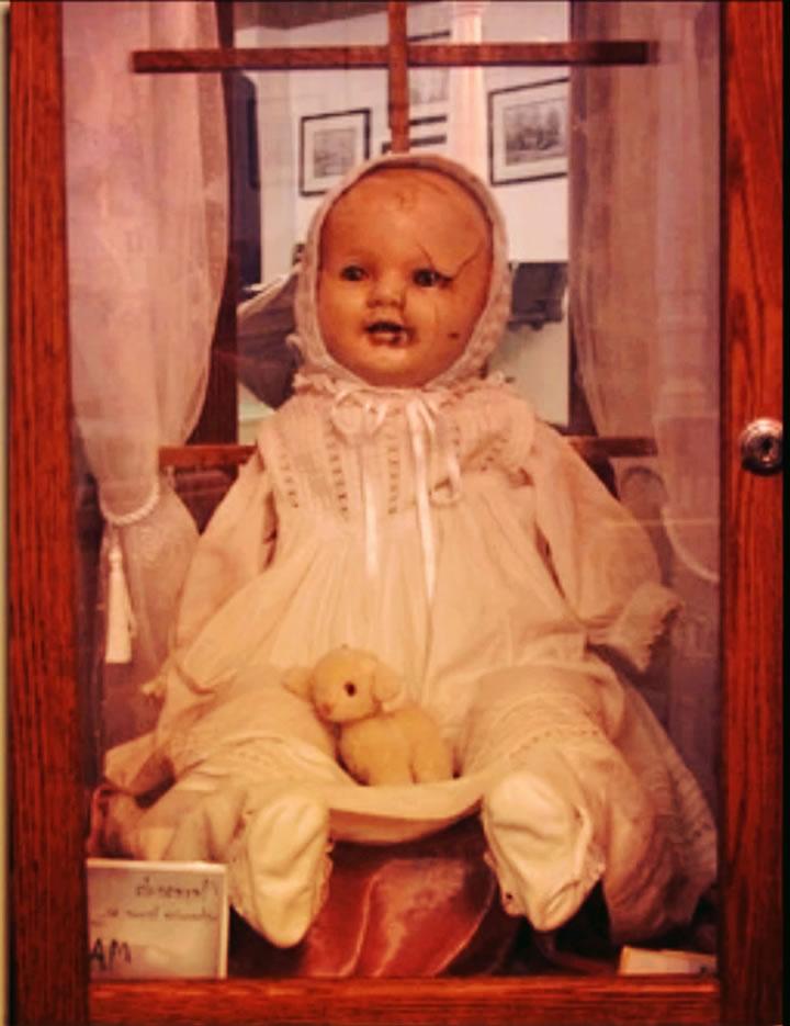 mandy muñeca embrujada