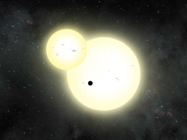 planeta orbitando dos soles