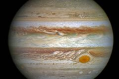 Hubble registra imagen de auroras en atmósfera de Júpiter