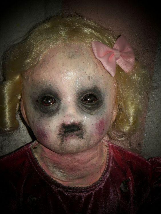demonio muñeca diabolica
