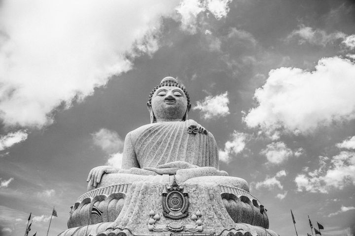 estatua gigante de buda