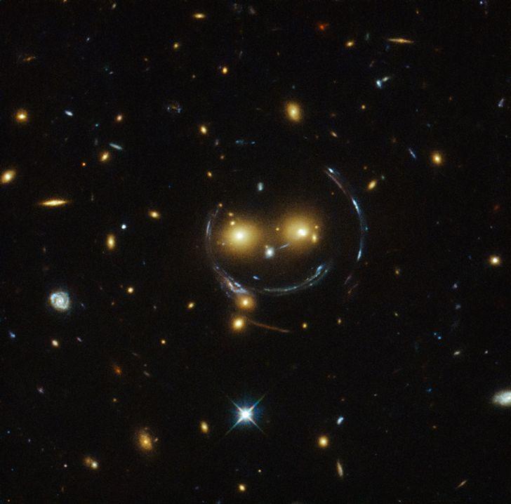 galaxia sonriente
