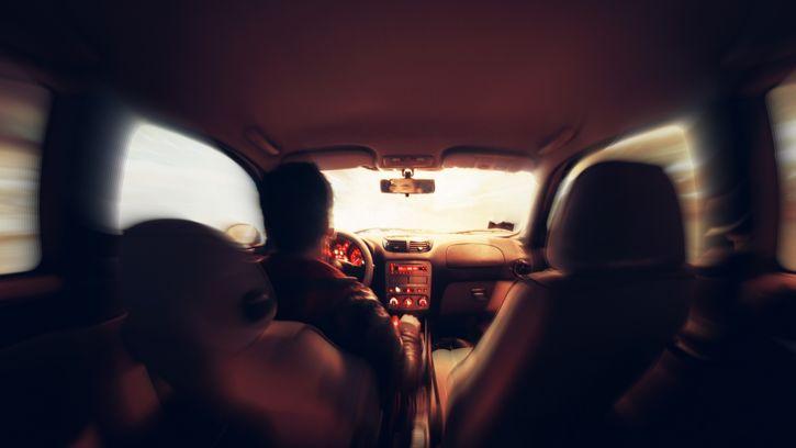 mareo automovil interior