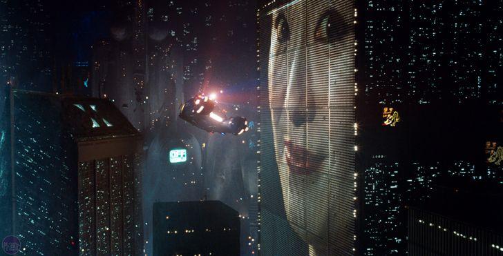 blade-runner-pantalla-publicidad-gigante