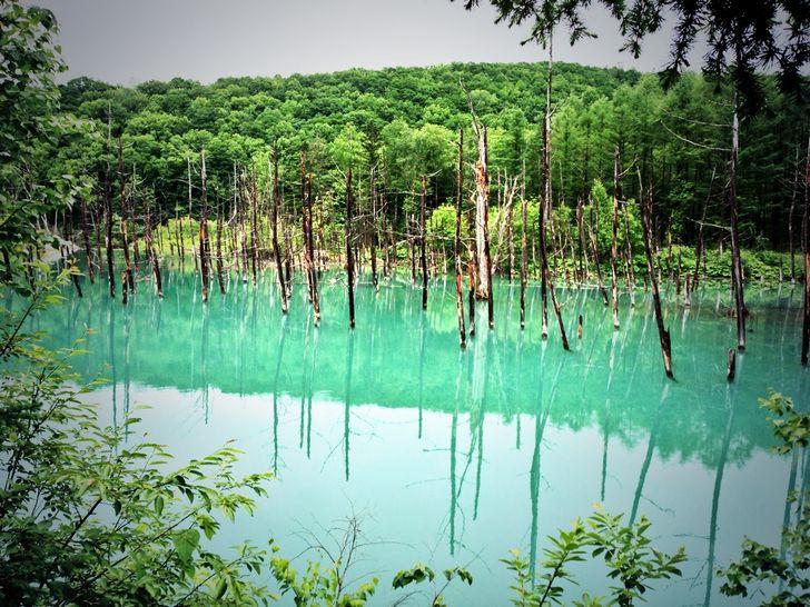 lago-multicolo-en-hokkaido-japon-2