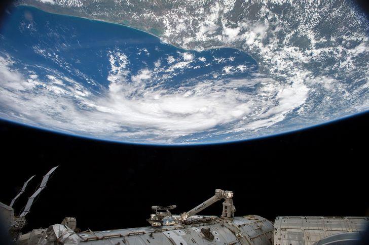 planeta-tierra-visto-desde-el-espacio