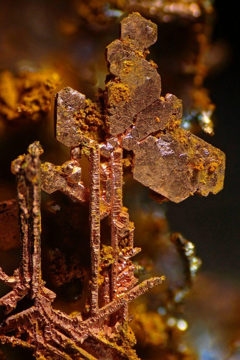 foto-microscopica-cristales-de-cobre-838x1255