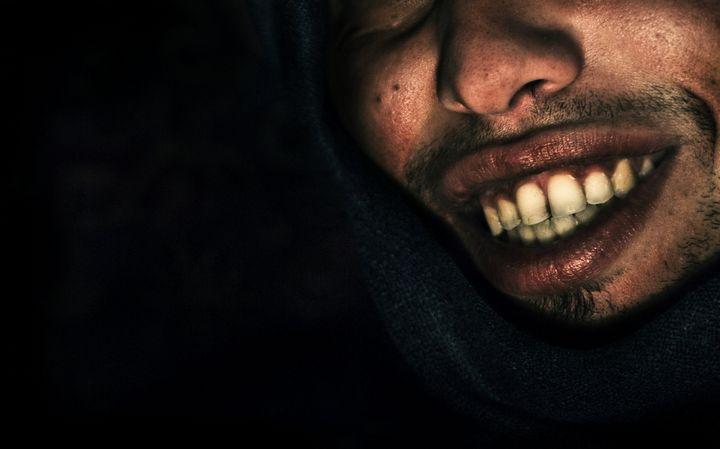 hombre-macabro-riendo