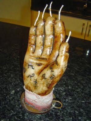 mano-del-muerto-cinco-velas