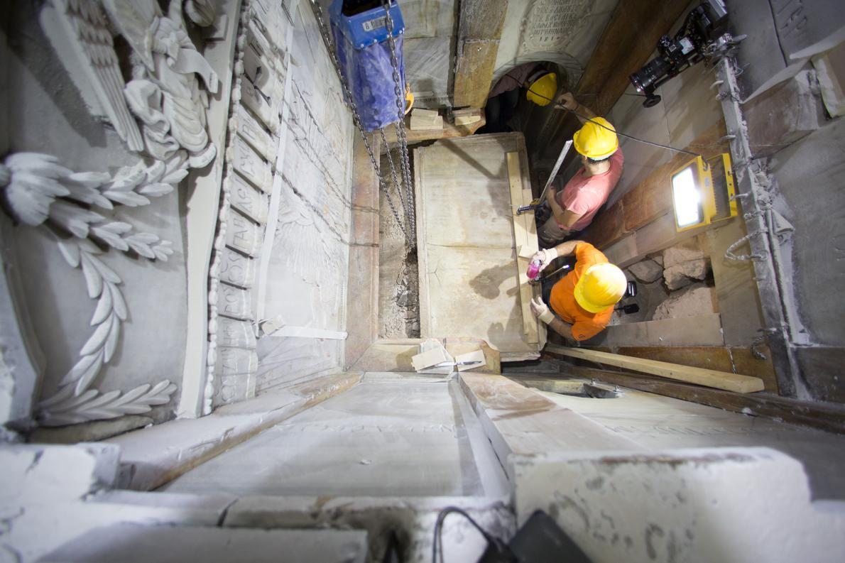 tumba-de-jesus-santo-sepulcro-3