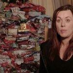 Esta mujer dará 300 regalos a sus hijos en Navidad, ¿envidia o crítica?