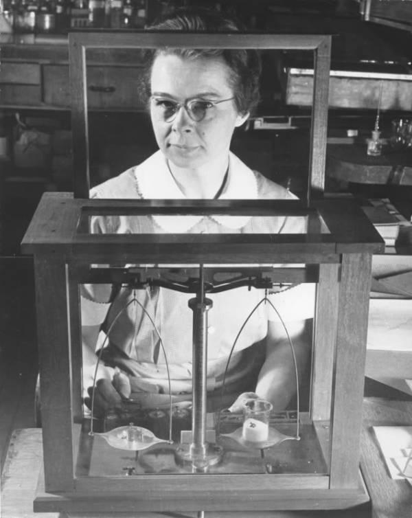 Katharine Blodgett y el cistral transparente