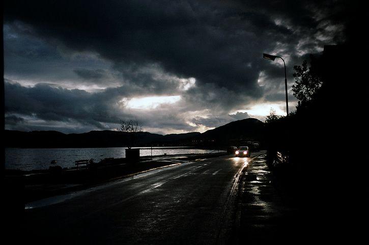 ambiente tenebroso carretera
