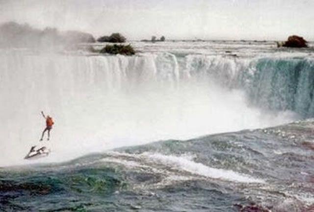 suicidio jet ski en las cataratas del niagara