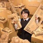Artista transforma cajas de cartón en esculturas perfectas