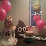 En la fiesta de cumpleaños de esta pequeña la temática fue la popó