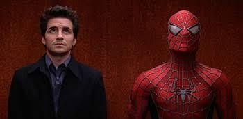 momento incomo en el elevador spiderman