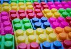 piezas lego de colores