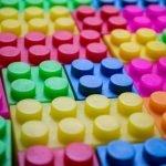 Lego busca abandonar el plástico