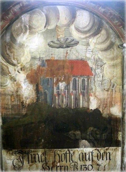 OVNI sobre una iglesia en transilvania