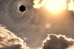 agujero negro en el cielo