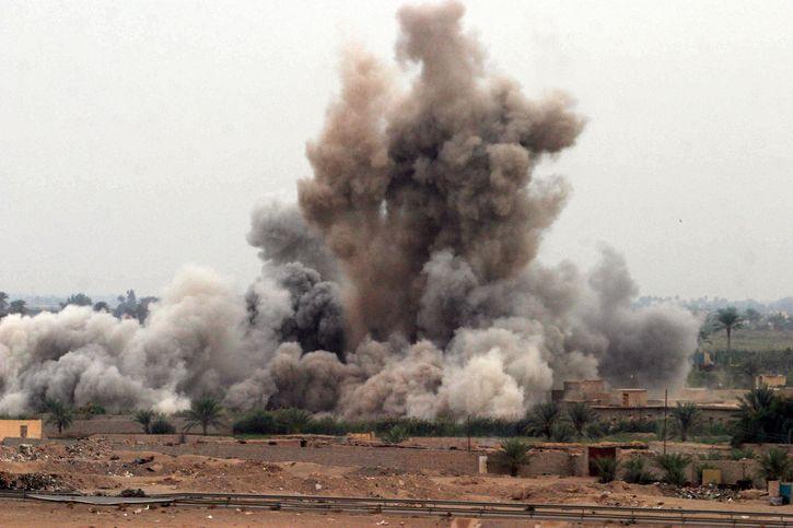 explosion de una bomba en faluya