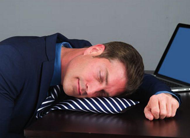 inventos increibles corbata almohada