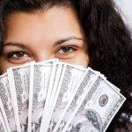 prestamo dinero en efectivo mujer