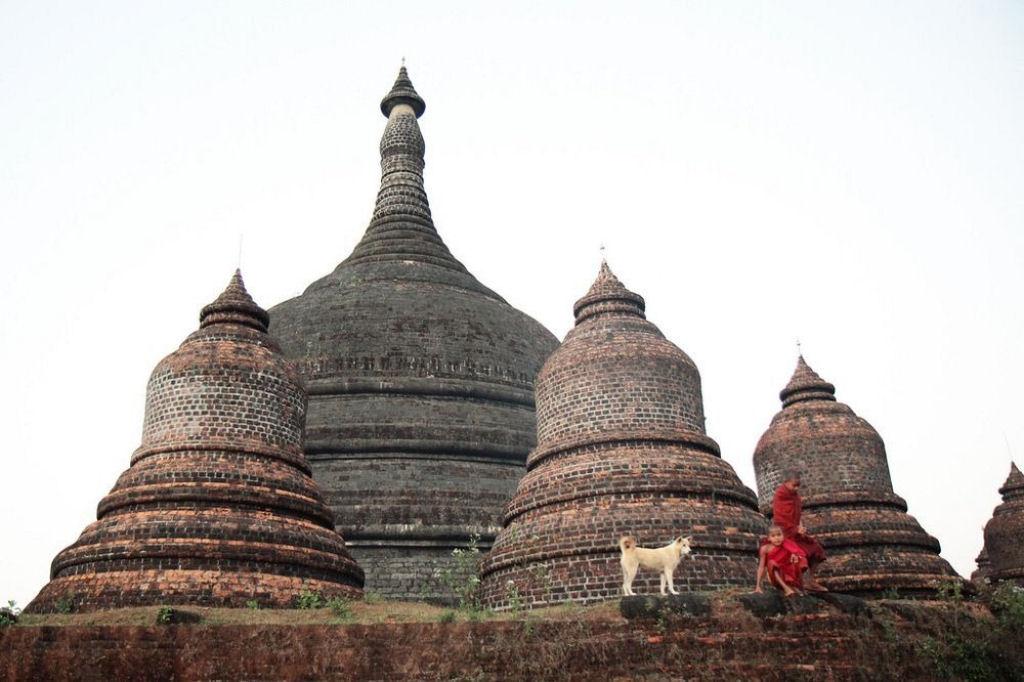ruinas de Mrauk U en Birmania (3)