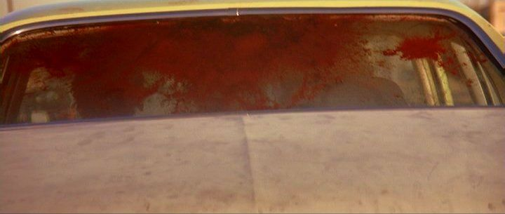 ventanas auto con sangre