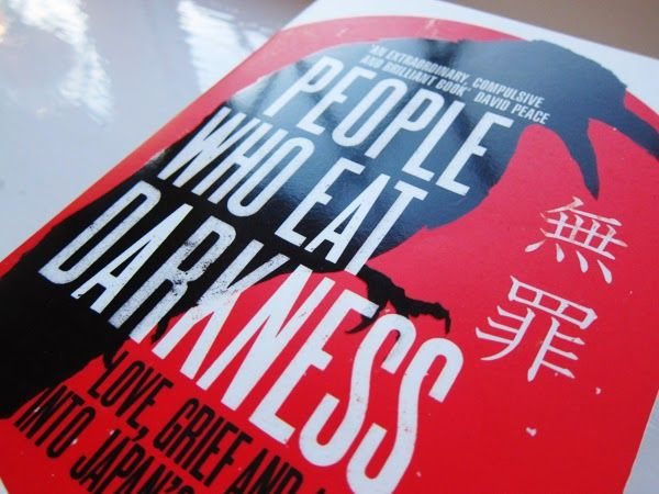 People Who Eat Darkness The True Story of a Young Woman portada libro