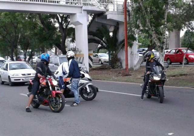 asalto motociclistas en mundo E