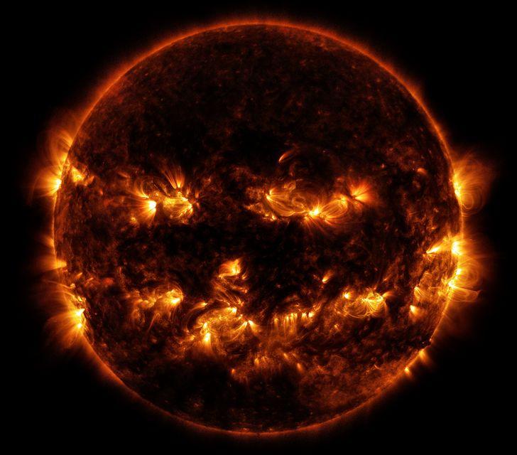 el sol malvado halloween