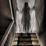 fantasma bajando las escaleras