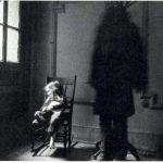 sombra negra habitacion
