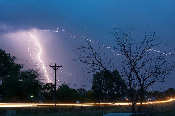 trafico durante tormenta exposicion