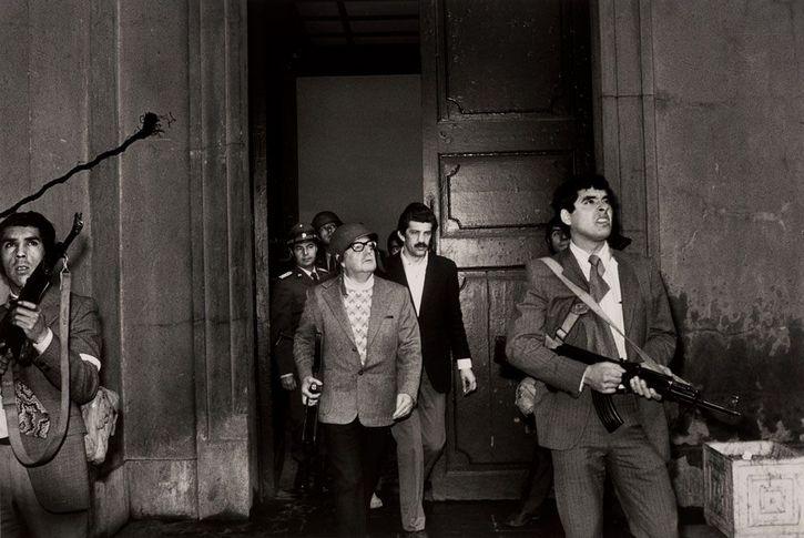Presidente Salvador Allende durante bombardeos