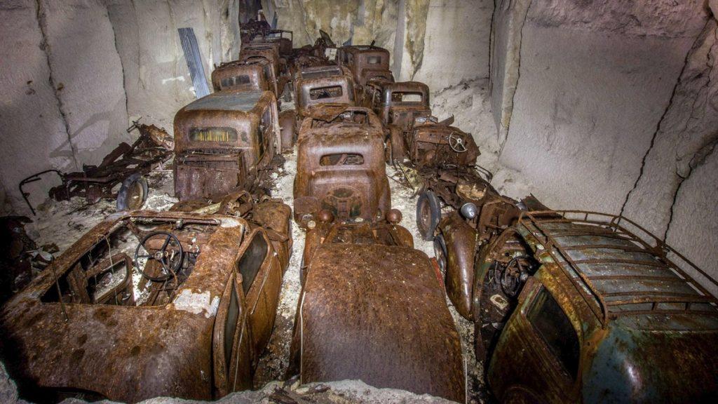 autos cementerio en francia