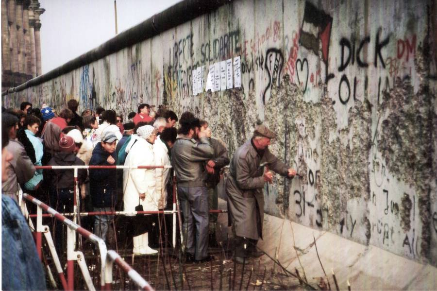 berlin wall pickers
