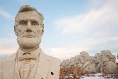 cementerio cabezas gigantes de presidentes (2)