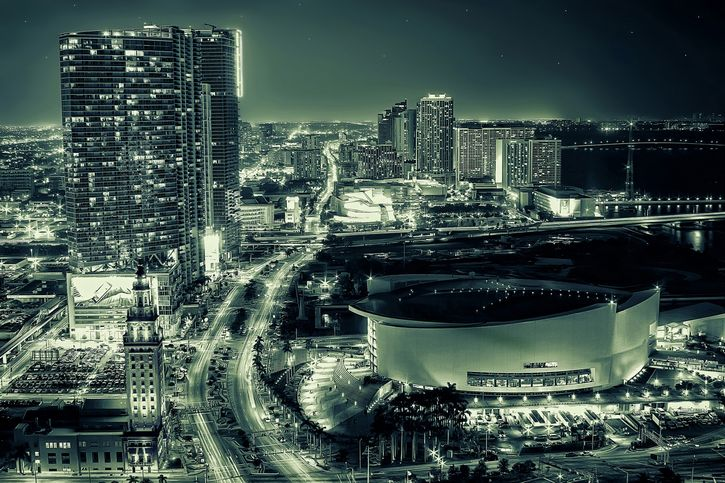 ciudad paisaje futurista