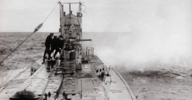disparando desde un submarino PGM