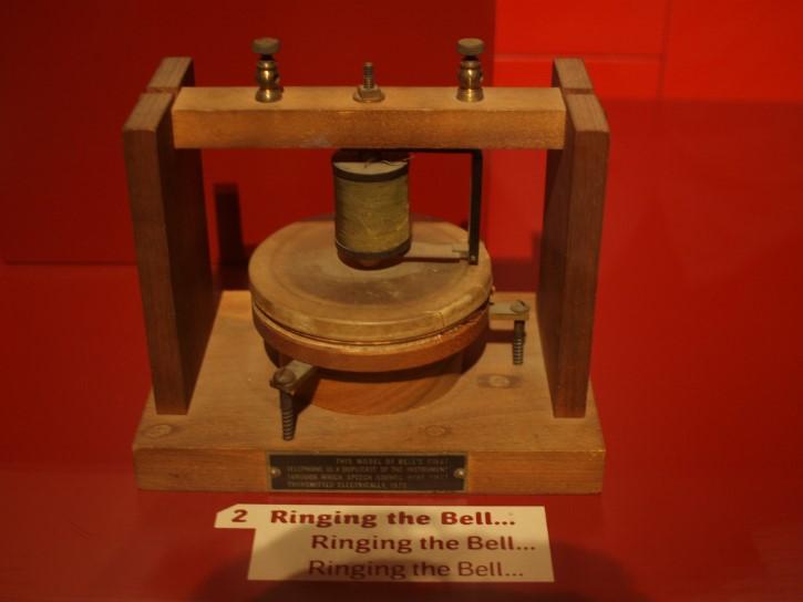 el primer telefono de graham bell