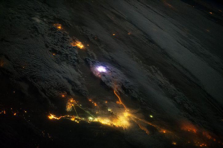tormenta vista desde el espacio