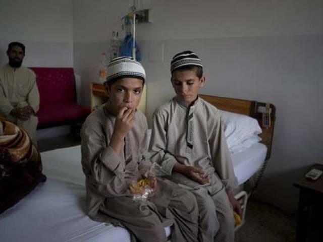 Abdul Rasheed y Shoaib Ahmed niños solares pakistan